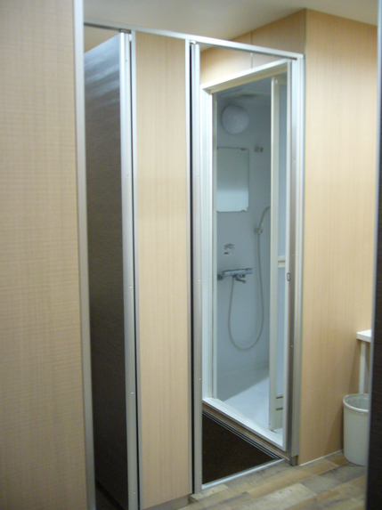Shower Booth2.JPG
